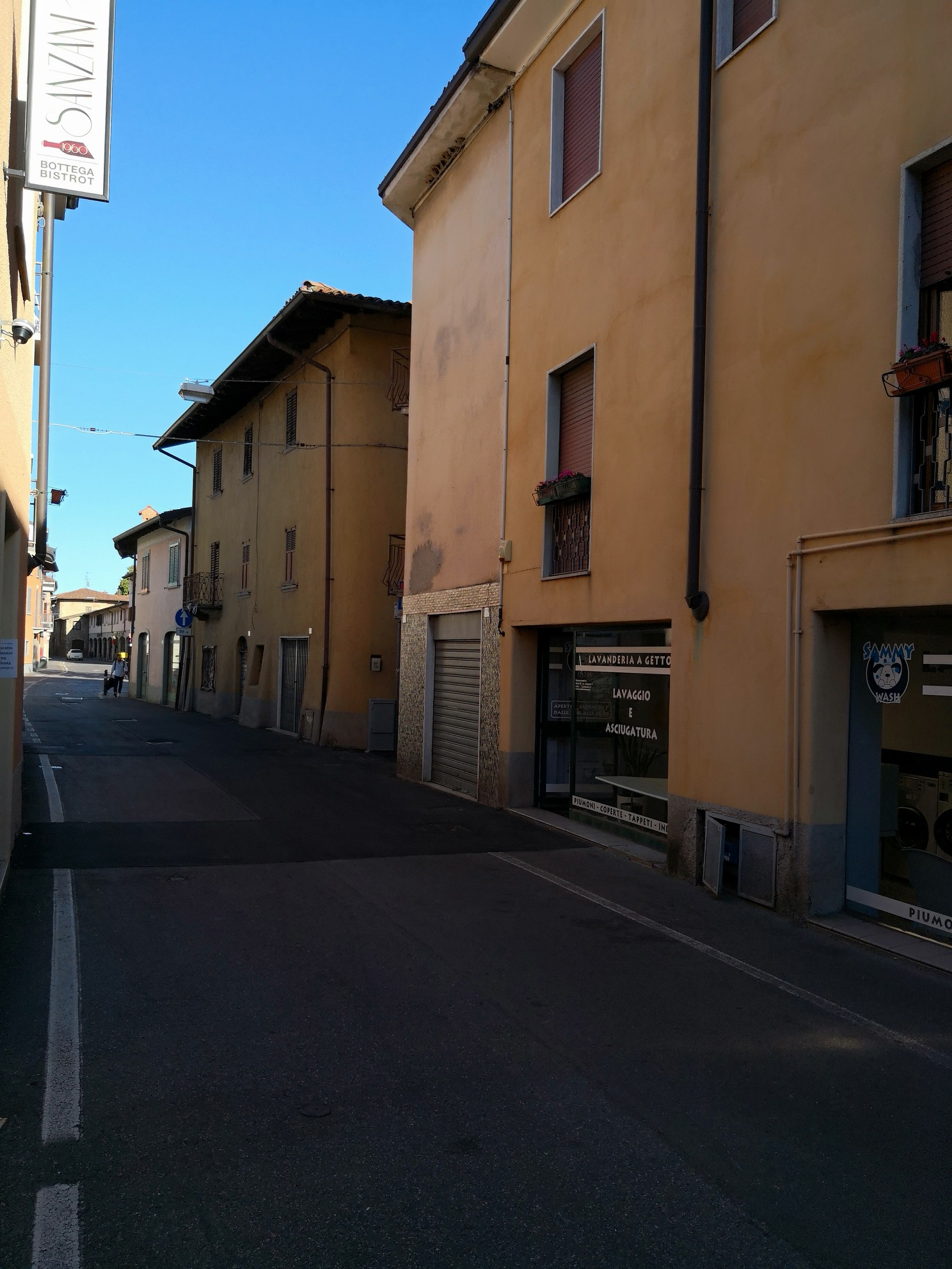 Negozio in vendita in centro a Treviolo