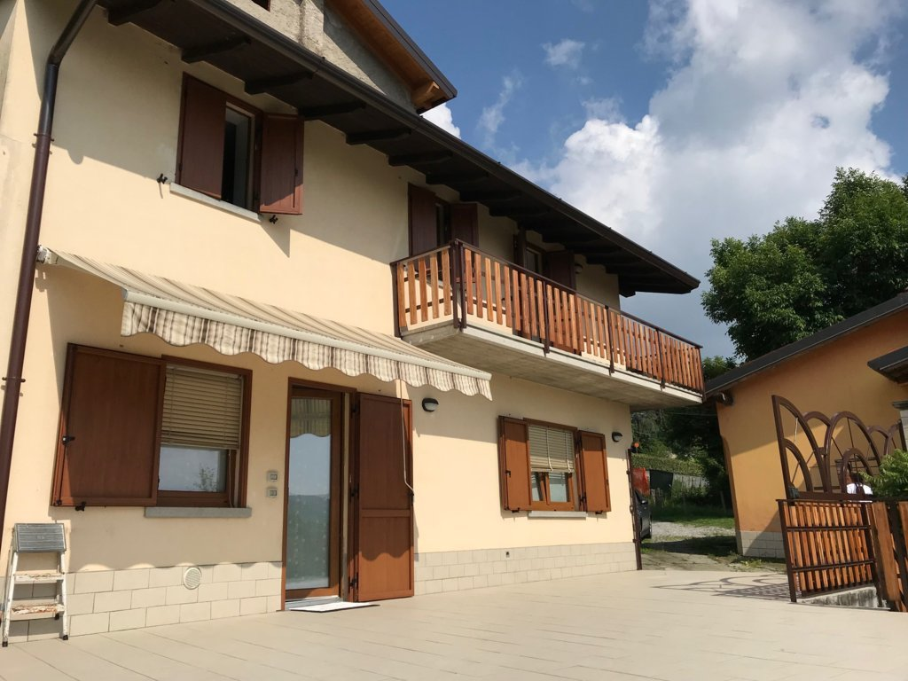 Casa indipendente Colli di Alzano